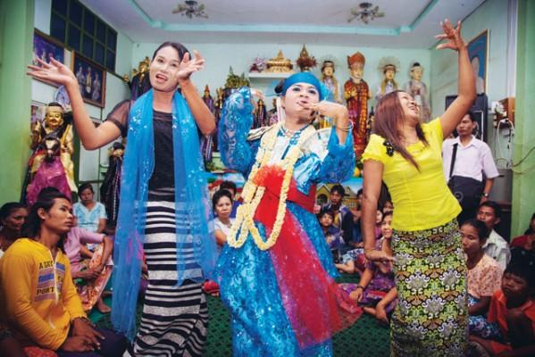 Le festival de Ya'ahowu en Indonésie