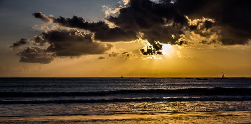 Les plages les plus sauvages de Bali : Jimbaran Beach, Amed Beach et Padang Padang