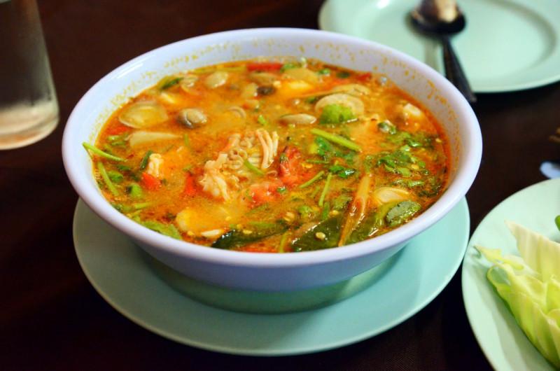 1. Tom Yam Kung : soupe épicée aux crevettes