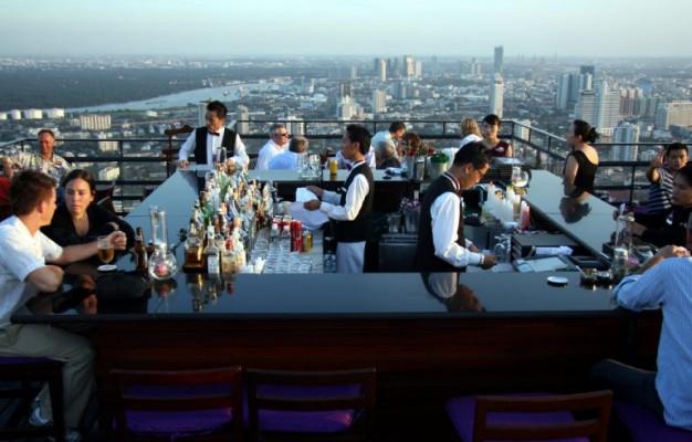 12 - Boire un verre sur un roof top