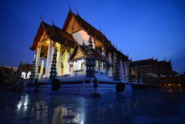 3 - Wat Suthat