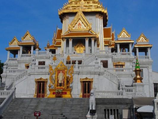 15 - Wat Traimit