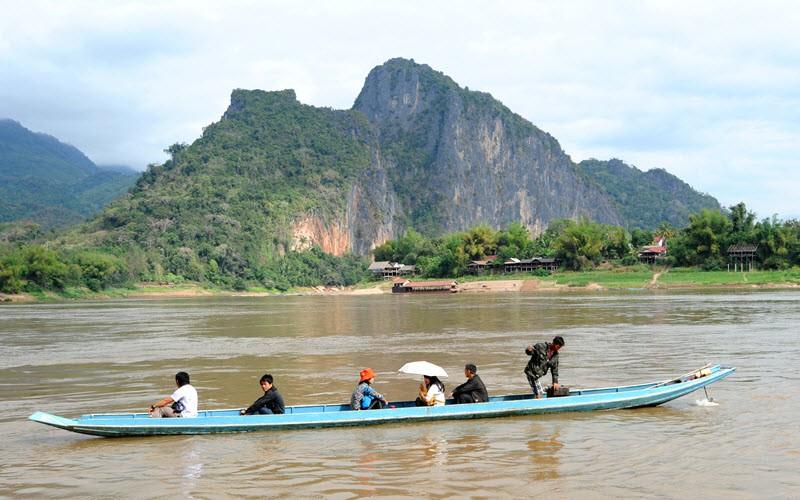 3. Descendre le Mékong en bateau