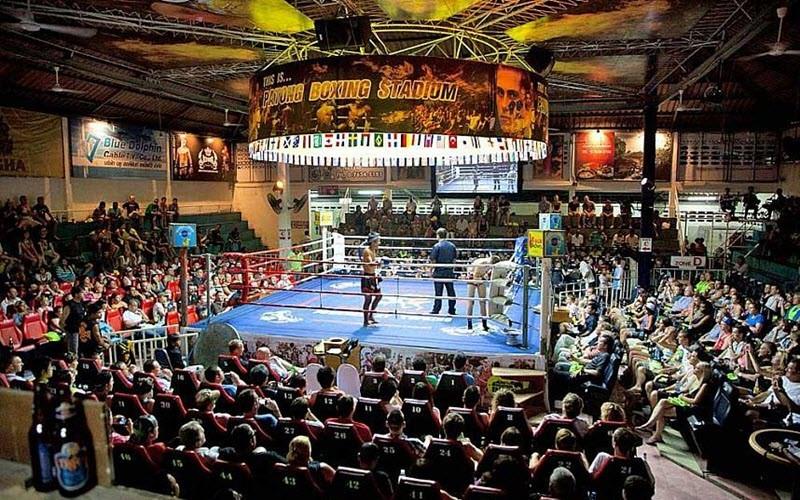 Voir un combat de boxe Thai à Phuket au Patong boxing stadium
