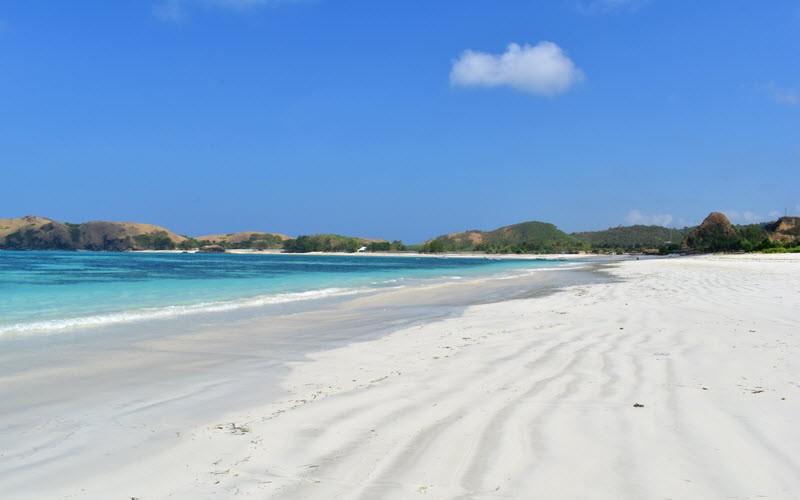 Les plages de Tanjung Aan et Tansgi sur l'île de Lombok en Indonésie