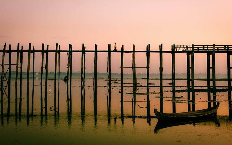 8. Admirer le pont U Bein, symbole de la Birmanie