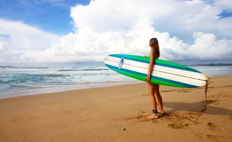 4. Surfer à Sunset Beach, Java Ouest