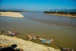 Le triangle d'or - Photo prise du coté Thaïlande, sur la gauche de la photo la Birmanie, et à droite le Laos