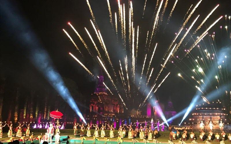 festival-loy-krathong-sukhothai.jpg