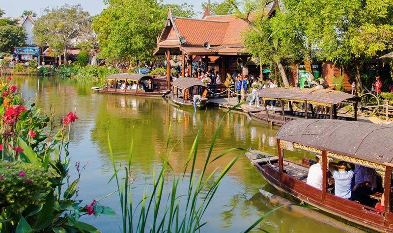 Marché flottant d'Ayutthaya à visiter