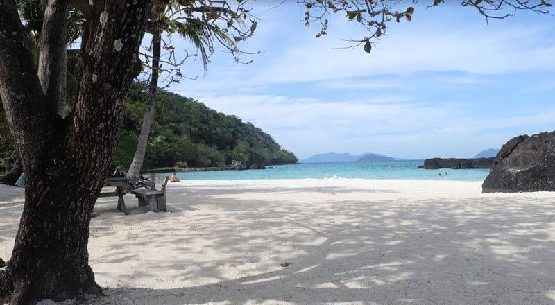 sable blanc et eau turquoise, plage ao baan lang